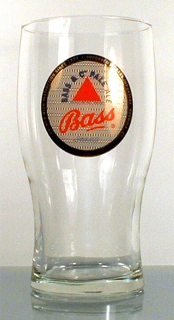 brewery pint glasses  set of 4 English beer Bass Pale Ale